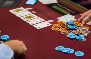 Amateurs Online Gambling However Overlook Just A Few Easy Issues